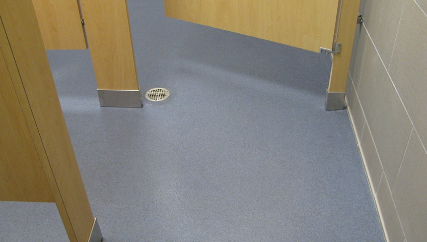Broadcast-Ceramic-Carpet-In-Restroom-Chattanooga-TN-3