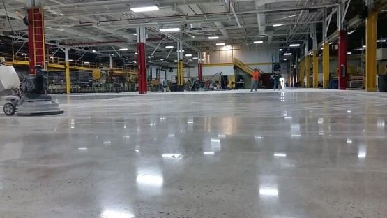 Polished-Concrete-Floors-At-Hart-Cooley-5